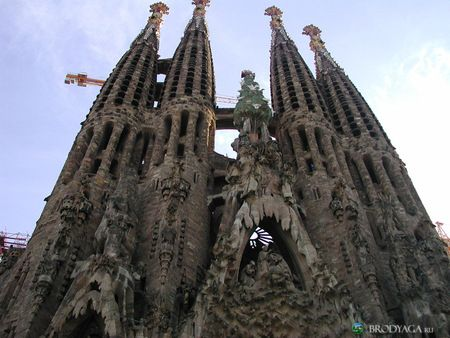 Barcelona, Spain: Art Nouveau, Sagrada Familia Barcelona, Amazing Food, Under Construction, Sagradafamilia, Barcelona Spain, Spain Travel, Cool Places, Spain Barcelona