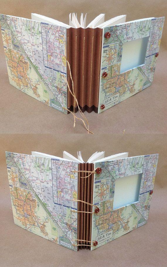 Avoir un mariage à Las Vegas ? Quelle meilleure façon de commémorer la célébration quavec cet ouvrage, doté dune carte de la ville ! Elle