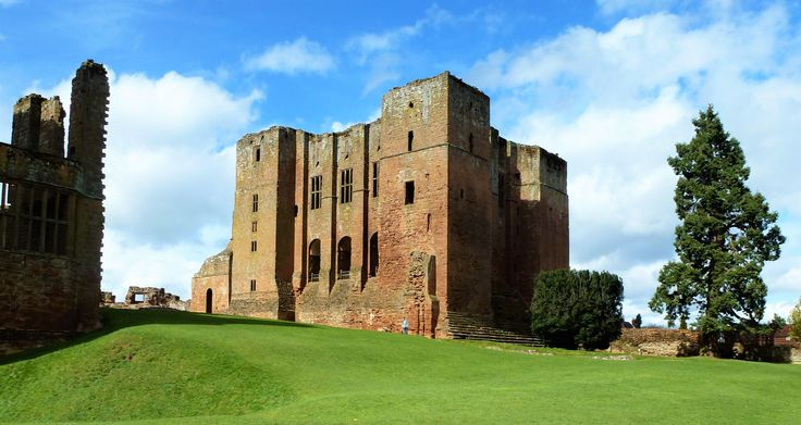 Kenilworth Castle. In Tudor times it was the home of Robert Dudley, Earl of Leicester, a favourite of Elizabeth I.