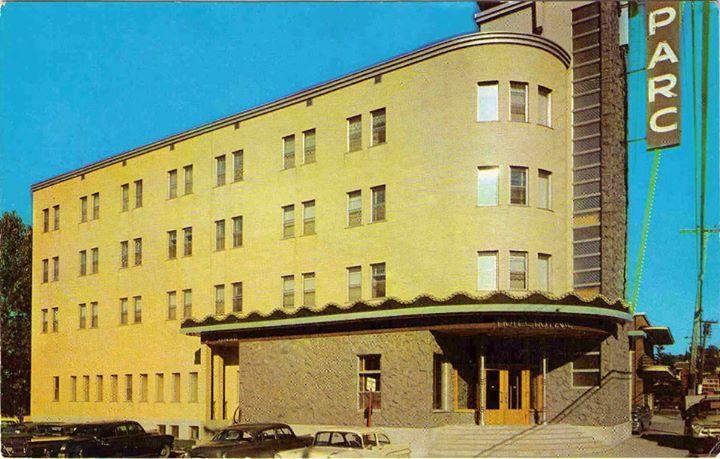 https://www.facebook.com/pages/Photos-anciennes-Saguenay Hôtel du Parc – Quartier du Bassin (Chicoutimi)