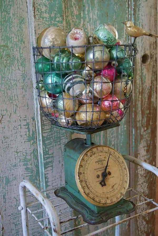 shabby scale Christmas decoration - 32 Astonishing DIY Vintage Christmas Decor Ideas