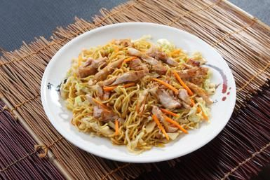 Chicken Chow Mein From Your Slow Cooker: Chicken chow mein with noodles.