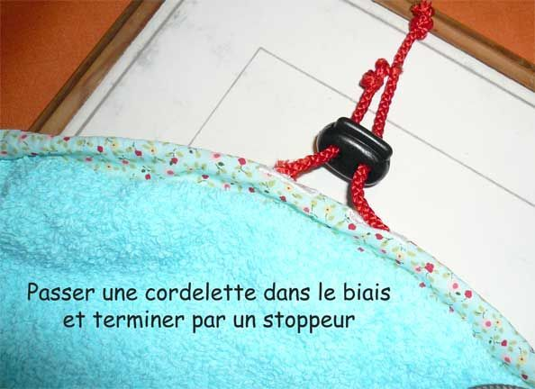 Tuto et patron: Sac à maillot de bain mouillé qui sert aussi à se changer les pieds au sec.