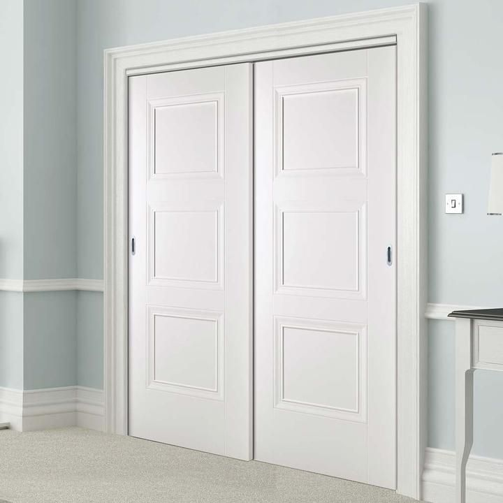 White Sliding Doors Wardrobe Doors Sliding Wardrobe Doors Bedroom Built In Wardrobe