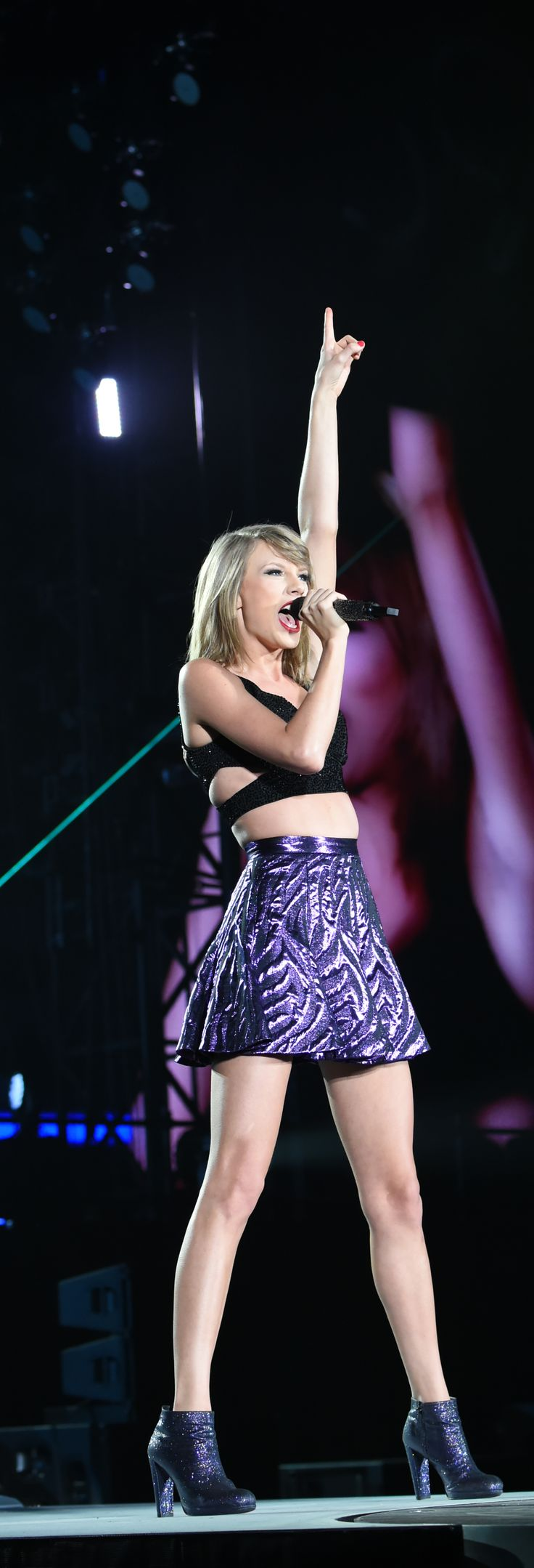Taylor Swift Is the Queen of the Costume Change