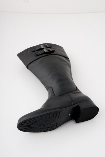 Small flat heel for comfort - this boot would be great for any purpose from Horse riding to a night on the town