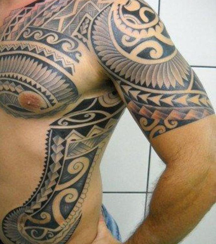 Tatouage Traditionnel Des Tribus Maori Tatouages Polynesiens Designs De Tatouage Tribal Tatouage Epaule Homme