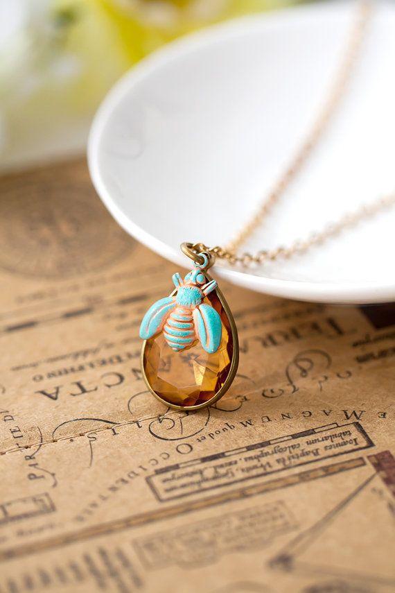 Honig Biene Halskette Hand gemalt Kupfer Biene und von MeMadeJewels