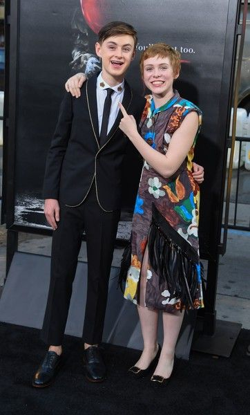 """Jaeden Lieberher Sophia Lillis Photos - Actors Jaeden Lieberher (L) and Sophia Lillis arrive for the world premiere of """"It"""" on September 5, 2017 at the TCL Chinese Theatre in Hollywood, California. / AFP PHOTO / Robyn Beck - Premiere of Warner Bros. Pictures and New Line Cinema's 'It' - Arrivals"""