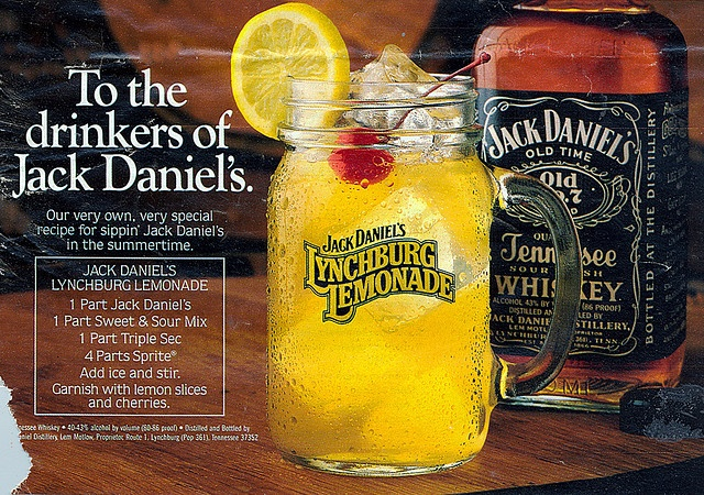 Jack Daniels Lynchburg lemonade recipe  1 part Jack Daniel's Old No. 7 1 part triple sec 1 part sour mix 4 parts lemon-lime soda INSTRUCTIONS  Combine and stir. Garnish with a lemon slice and cherry.