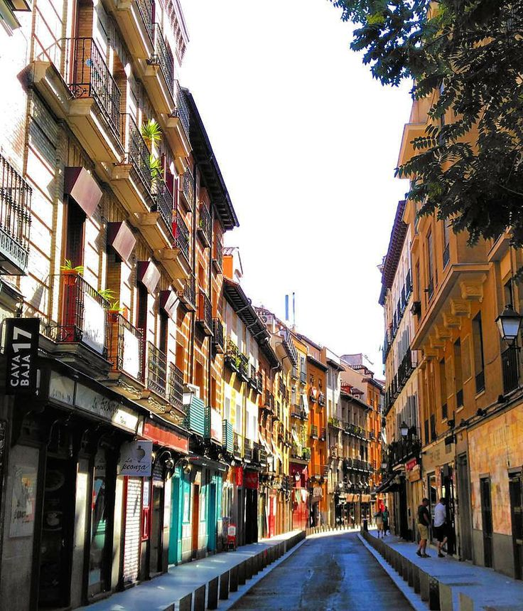 Calle de la Cava Baja, Barrio de La Latina, Madrid, España