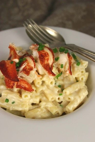 Macaroni & Cheese with Lobster: Mail