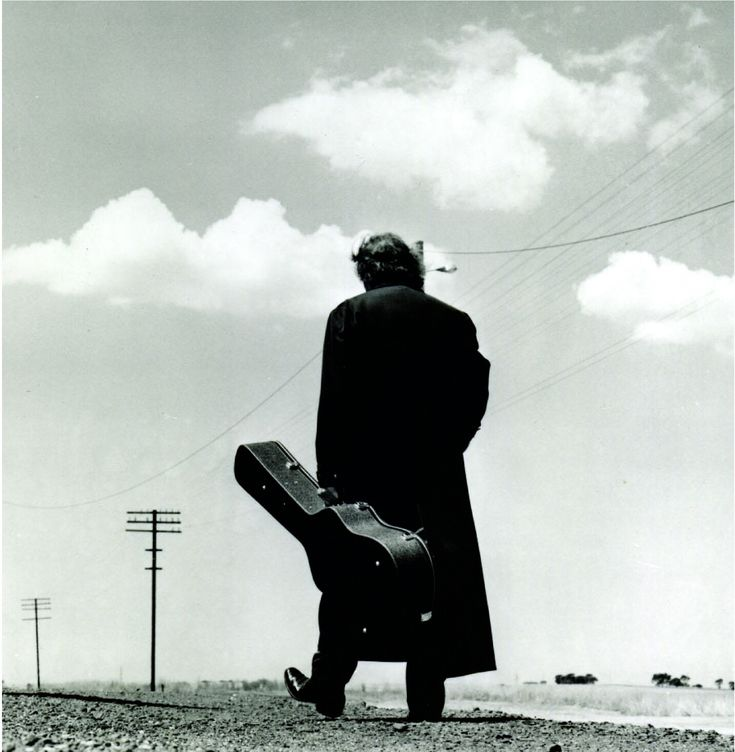 Such an evocative photo. Perfect. (Johnny Cash)