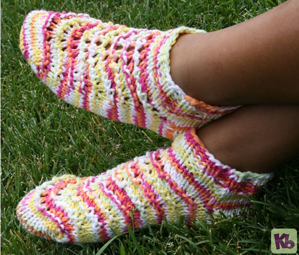 36 Peg Loom Knitting Patterns : Summer Footies: A fun pair of footies to wear during the summer months, knit ...