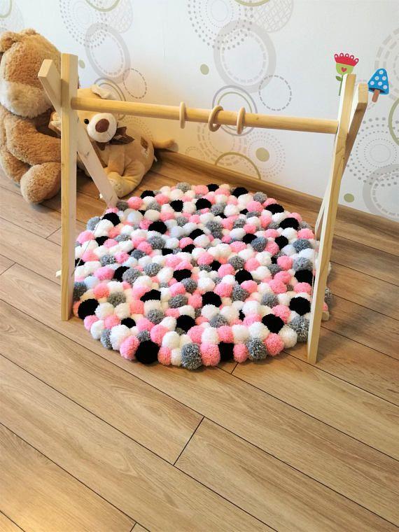 Die besten 25 farbstoff teppich ideen auf pinterest for Pompoms kinderzimmer