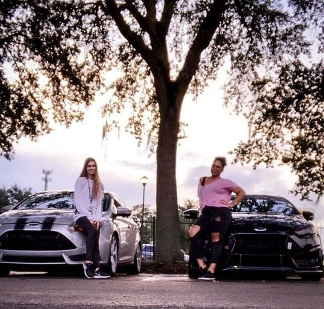 Owners Betthany Michelle And Themj Fitness Chronicles Dailydrivenladydriven Becausegirlslovecarstoo Ladydriven Turbo S Jeep Gladiator Ford Supercharger