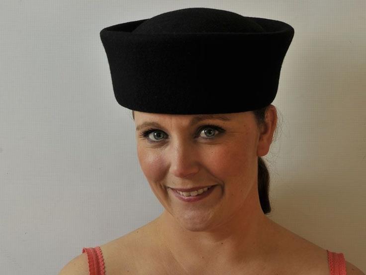 Robyn - Hat Borrower