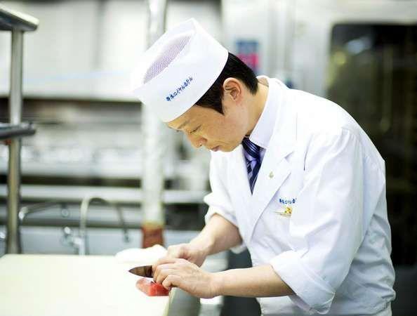 和食料理長 橋本了心をこめておもてなし致します。