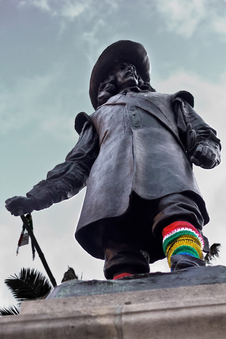 Visit the statue of Jan van Riebeeck, the founder of #capetown #southafrica