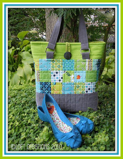My Oak Park Bag pattern using Denyse Schmidt's Flea Market Fancy in my favorite blue and green with grey corduroy.