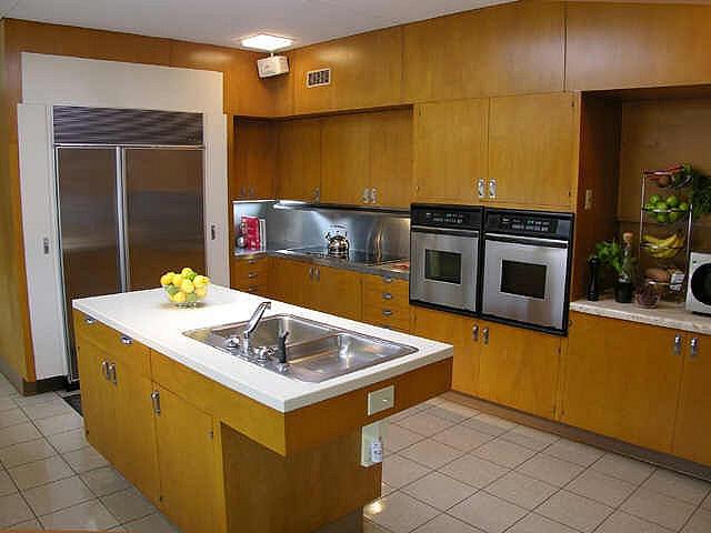 mcm kitchen - Midcentury Kitchen Decor