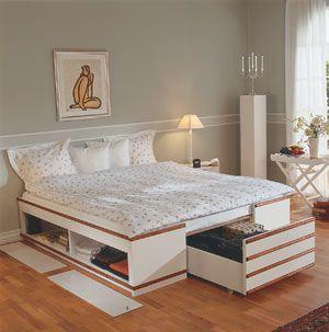 I artikeln Drömsäng med fiffig förvaring visade vi hur du bygger en snygg säng med smart förvaring. Här kan du enkelt följa hur vi gjorde steg-för-steg.