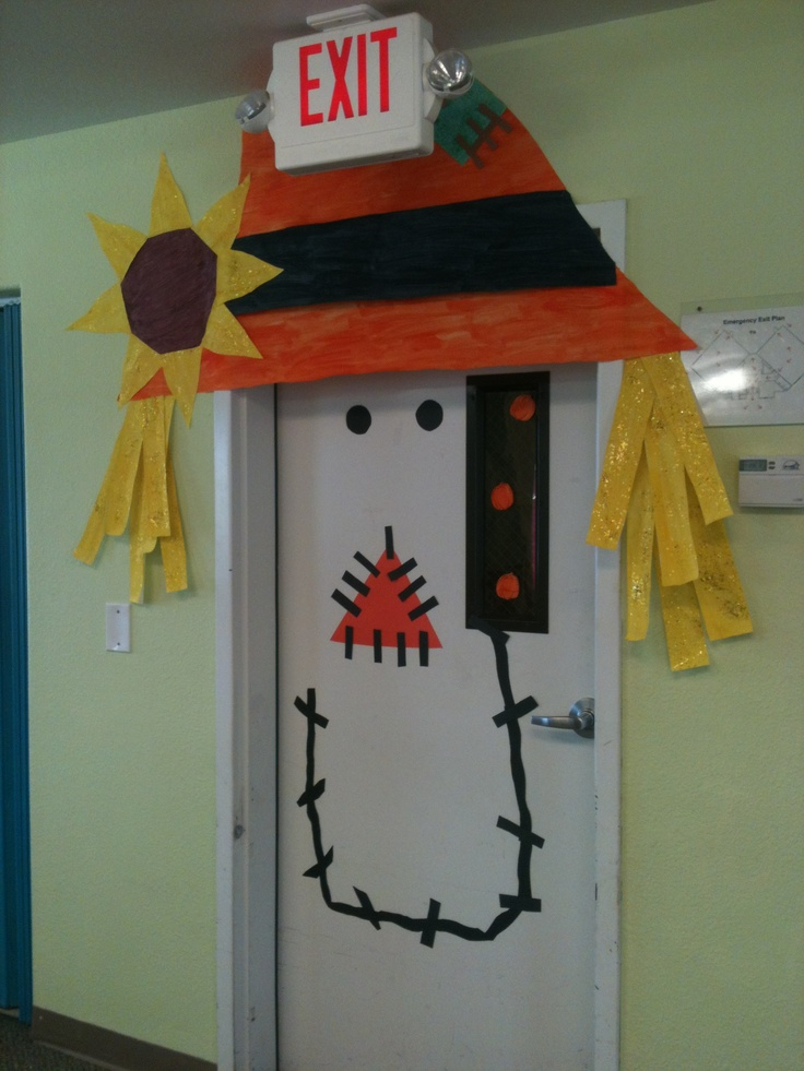 Halloween classroom door #halloween #classroom #education...or you can even do this at your home on the kids bedroom door...