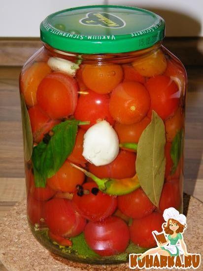 Рецепт: Быстрые маринованные помидоры с базиликом