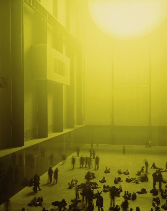 Yellow sky of the Tate Gallery during a exhibition of Olafur Eliasson arch: Herzog & de Meuron photo: M Argyrogolo #architecture #gallery #art #strange #scene