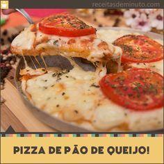 Se você é um amante de pão de queijo como eu, vai amar essa receita de Pizza de Pão de Queijo que além de ser simples é deliciosa.