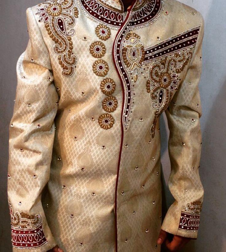 fabulous vancouver wedding Grooms wear close-up.#bridal #anarkali#suits#Sarees#gowns#Lehengas#vancouver#desi#fashion#vancouverphotography#vancouverfashion#surreyindianfashion#punjabiwedding#indowestern#menswear#sherwani by @in.vogue.fashion.haus  #vancouverindianwedding #vancouverwedding #vancouverwedding