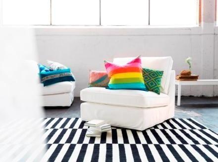 Ποτέ μην υποτιμάτε το ρόλο των μαξιλαριών! Είναι ο πιο εύκολος τρόπος να ανανεώσουμε τον καναπέ ή την πολυθρόνα μας, εύκολα και οικονομικά. Παράλληλα. Κερδίζουμε σε άνεση!