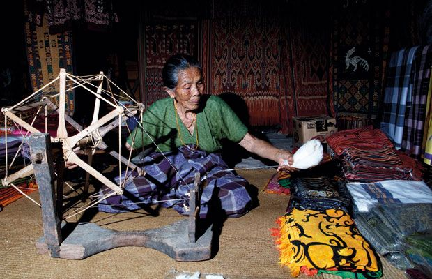 A weaver from Toraja
