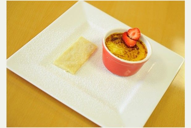 Recipe: Vanilla brulee with shortbread biscuit