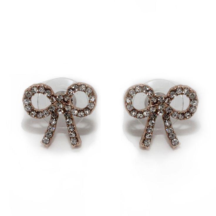 retro kleding Collectif Bijou Diamond Bow Studs  Schattige oorbellen in de vorm van strikjes. Door de kleine steentjes ogen deze prikkers extra gezellig!