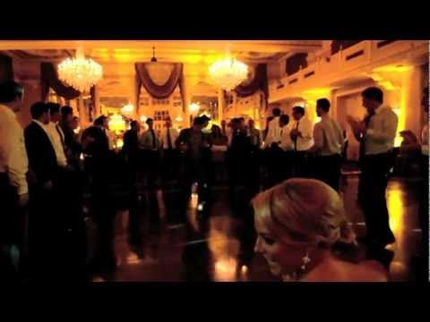 HILARIOUS Surprise Wedding Dance to Call Me Maybe