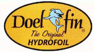 Doel-Fin es la aleta estabilizadora original desarrollada por un ingeniero aeronáutico para mejorar la habilidad planeadora de cualquier embarcación propulsada por un motor fueraborda o dentrofueraborda. http://www.nauticlick.com/es/fabricantes