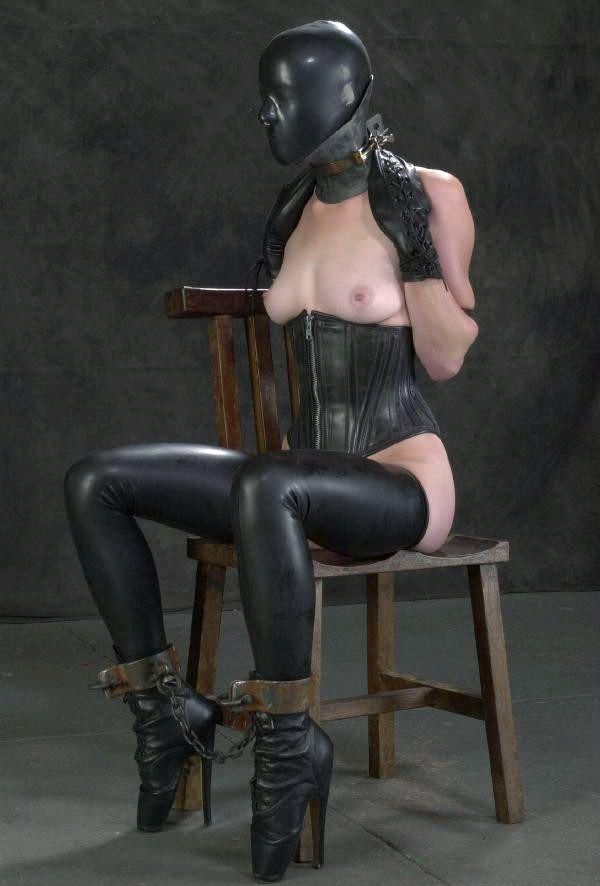 Kate beckinsale sucking dildo