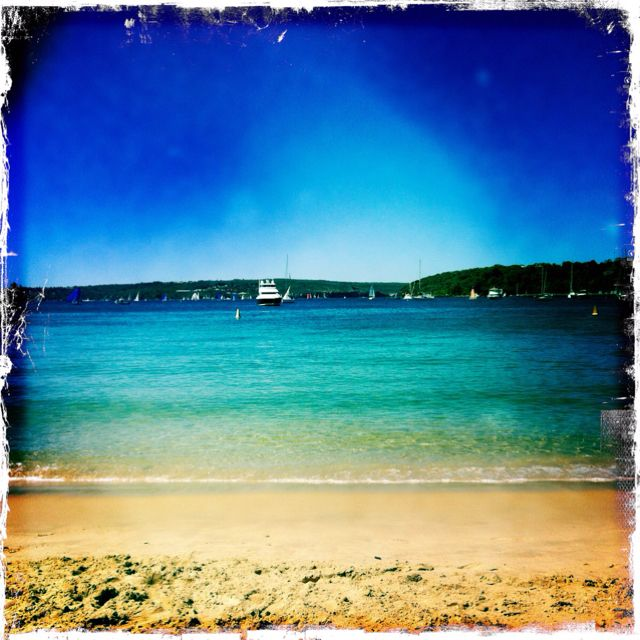 How beautiful is Balmoral beach today