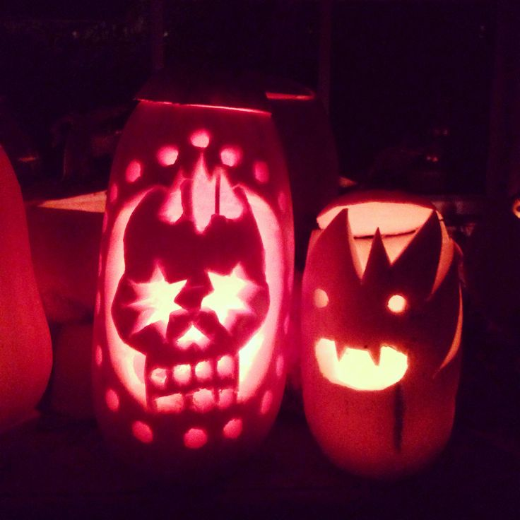 an introduction to carving a pumpkin A jack-o'-lantern (or jack o'lantern) is a carved pumpkin or turnip lantern,  associated with the holiday of halloween and named after the phenomenon of a .