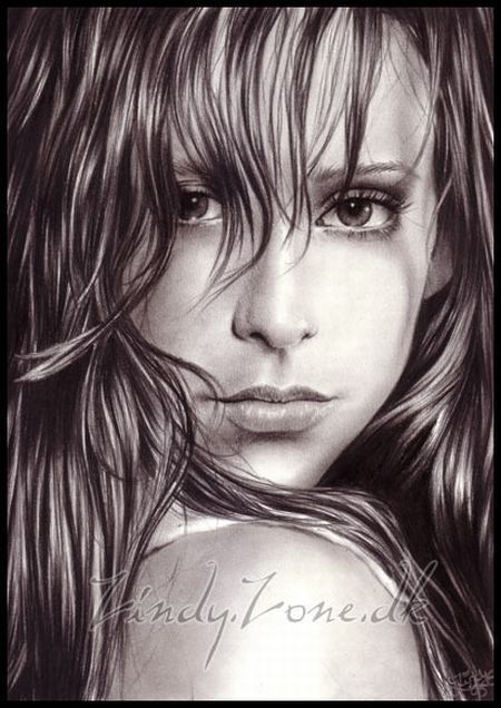 Zindy S. D. Nielsen - a young artist passionate of drawing with a pencil. And it's not Photoshop!