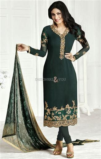 Get the much needed attention that you always wanted with our #fashionsalwar kameez. These pakistani #boutiquedresses are designed as a #mehndidress to wear at weddings.