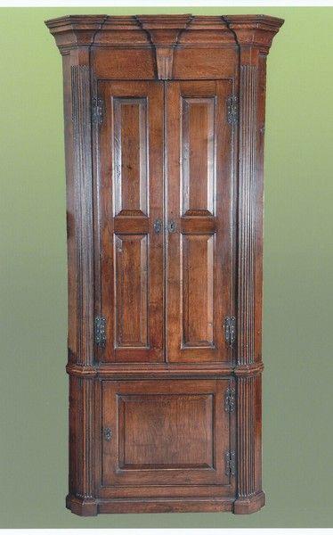 George III period oak Corner Cabinet (England)