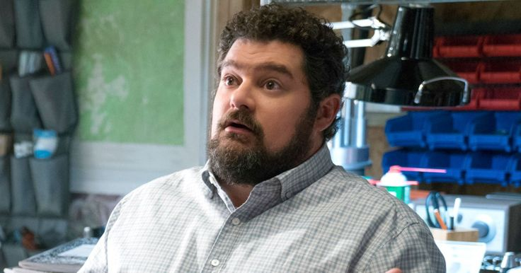 It's the first not-officially-canceled-but-is-very-likely-canceled show of the season. CBS is pulling low-rated freshman comedy Me, Myself & I starring Bobby Moynihan from Monday nights a…
