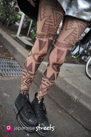 Julia  harajuku, tokyo  SPRING 2012, girls  Kjeld Duits    STUDENT, 16    Bra Top – Lily Brown  Shorts – Bubbles  Stockings – MAM×CHOCO MOO  Shoes – Converse  juria41 @ twitter
