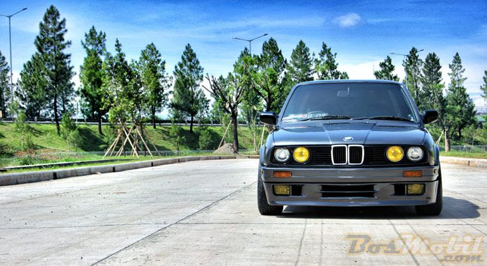 Modifikasi BMW 318i E30 : Adoption of European Styles #info #MobilModifikasi #BosMobil