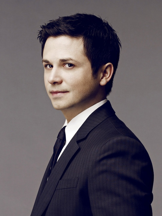Freddy Rodriguez from CHAOS. What a cutie!