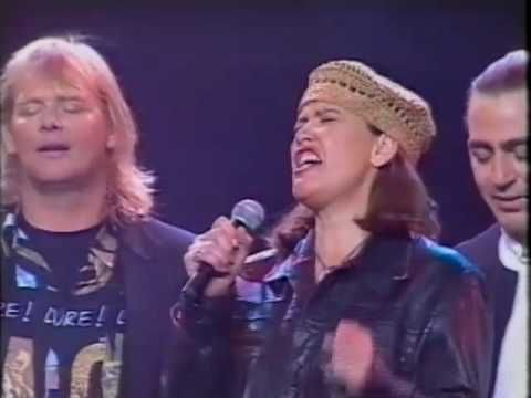 John Farnham - Amazing Grace LIVE 1994  with Toni Childs , Vanetta Fields , Lindsay Field, Lisa Edwards truly AMAZING