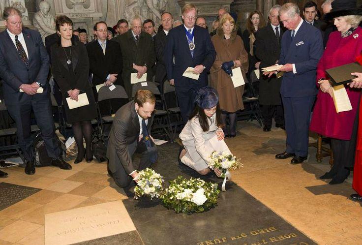 Camila, duquesa de Cornualles, y su esposo, el príncipe Carlos de Inglaterra, Rob, el tataranieto de Charles Dickens, y Rachel Dickens Green, hija del tataranieto del escritor