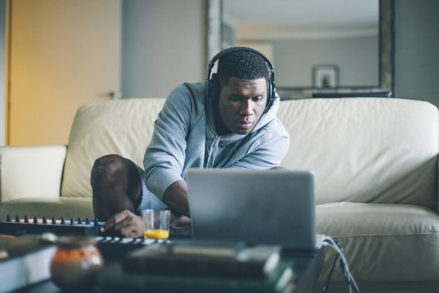 """NEW MUSIC: Jay Electronica – Road To Perdition (feat. Jay Z)- http://getmybuzzup.com/wp-content/uploads/2015/03/431148-thumb.jpg- http://getmybuzzup.com/jay-electronica-road-to/- By Chance Our demands for new music are somewhat satisfied as Jay Electronica delivers """"Road To Perdition"""" with Jay Z. This track is supposedly on Jay E's highly anticipated forthcoming album 'Act II.'   …read more Let us know what you think in the comment...- #A"""